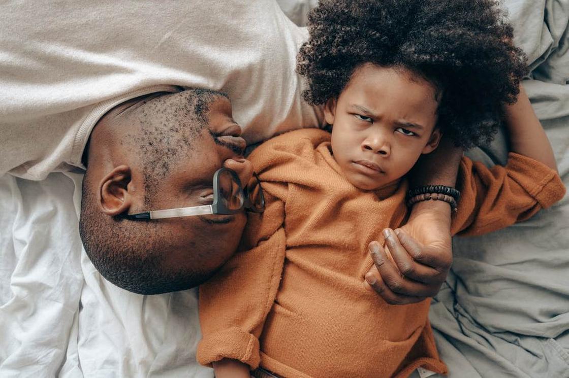 Ребенок надулся на отца