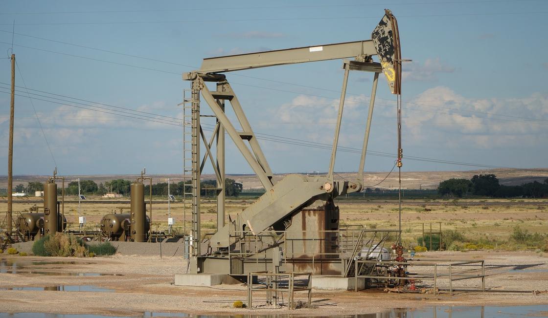 Нефть марки Brent упала в цене ниже 25 долларов