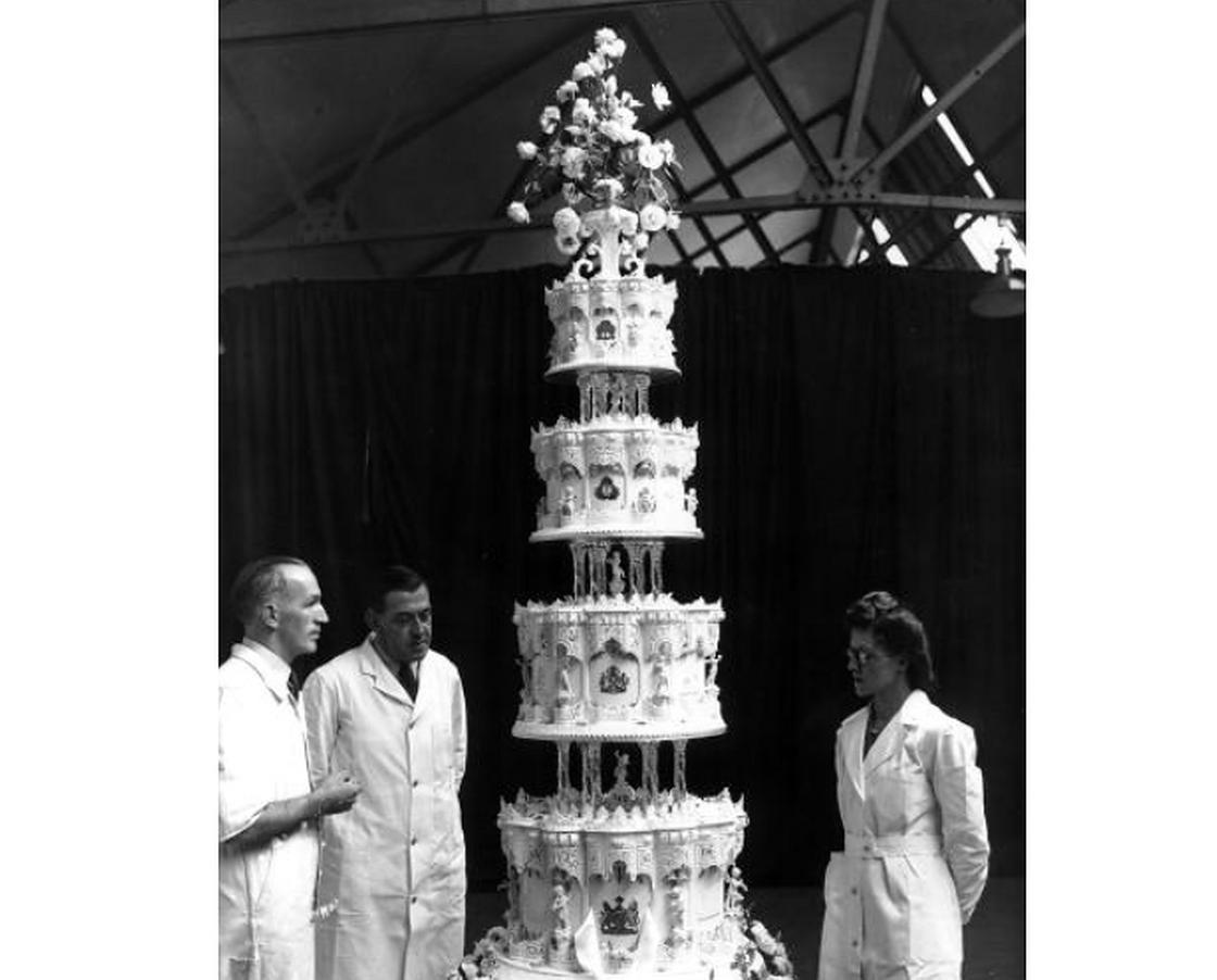 Торт и его изготовители