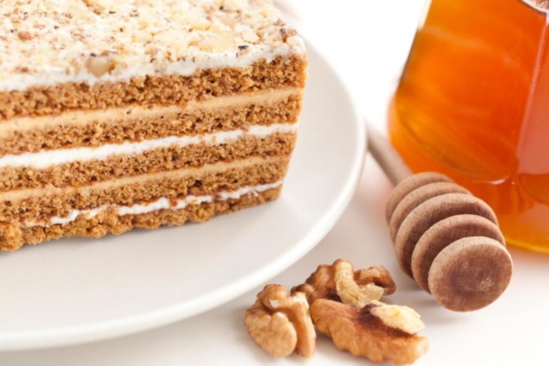 Торт «Медовик» с заварным кремом: пошаговый рецепт
