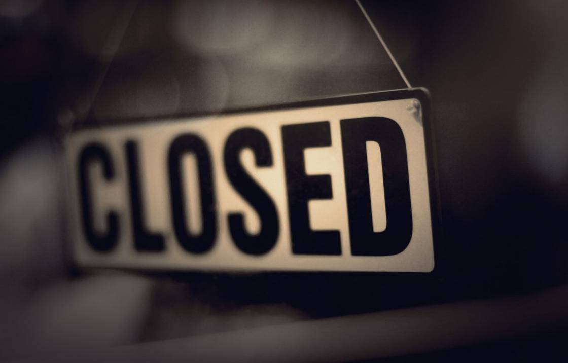 Сафари-парк после смерти ребенка на качелях закрыли в Караганде