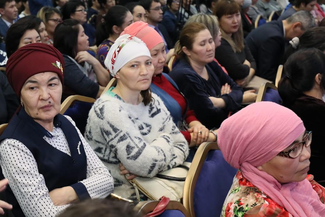 Гульшара Абдыкаликова: Мужчины стали трусливыми