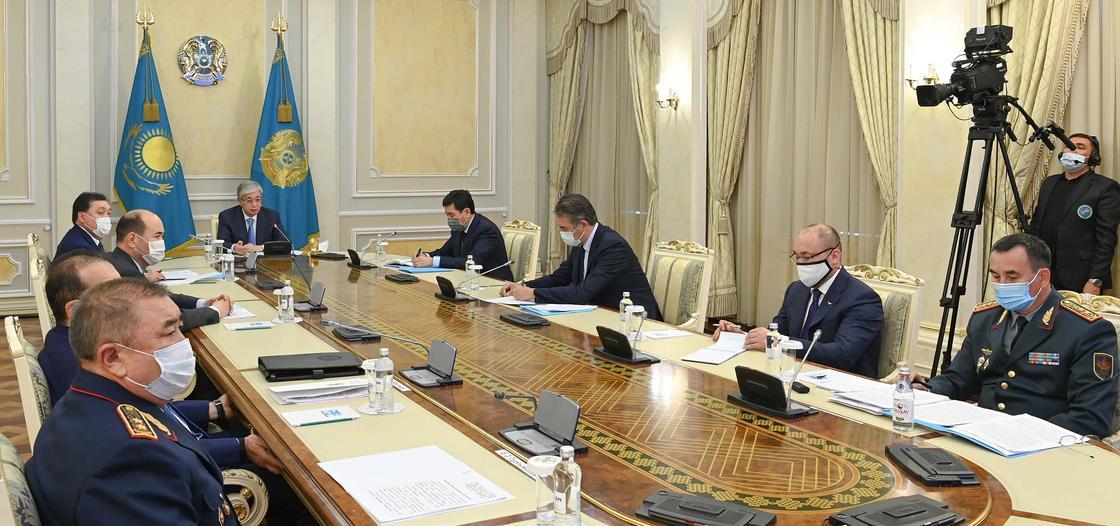 Токаев и министры на экстренном совещании