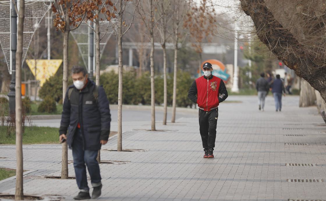 Айзат Молдагасимова рассказала, стоит ли носить маску на улице
