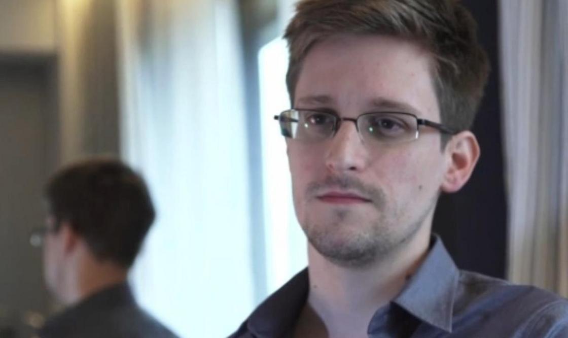 """""""Удаляют уровни защиты"""": Сноуден рассказал о ненадежности Telegram и WhatsApp"""