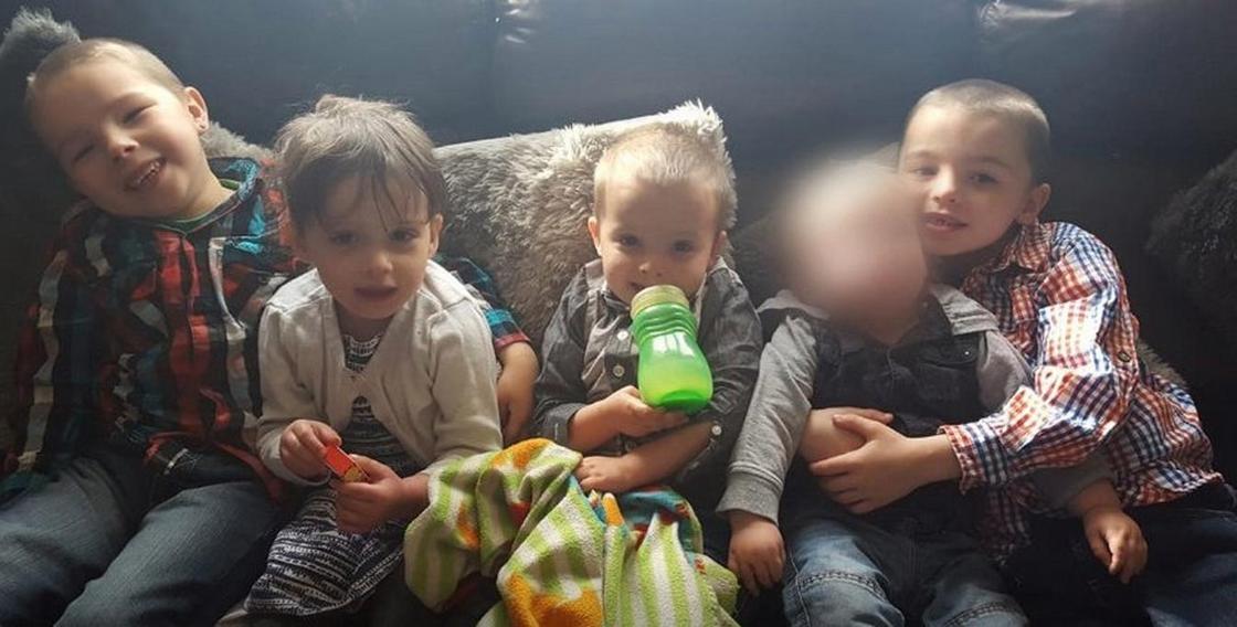 Страшная трагедия: похороны четверых детей, погибших при пожаре в Великобритании