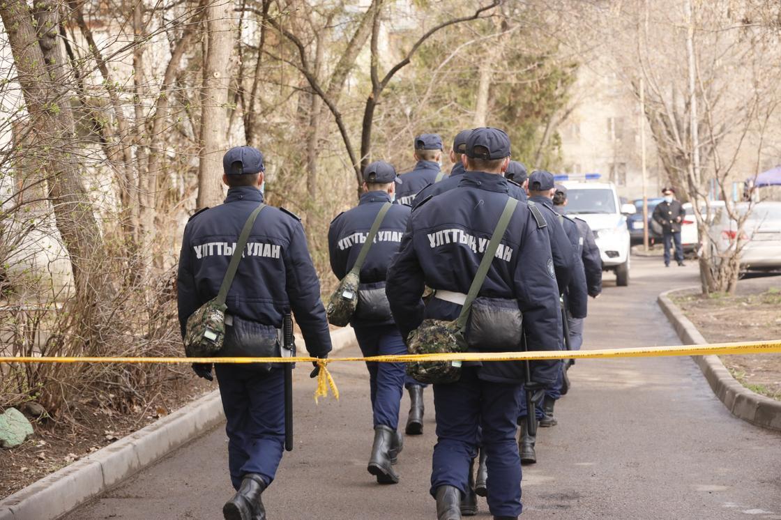 Поликлинику, где выявили медиков с COVID-19, закрыли на карантин в Темиртау