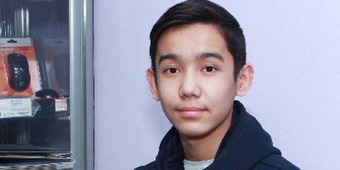Как живет мальчик, зараженный в детстве ВИЧ в Шымкенте