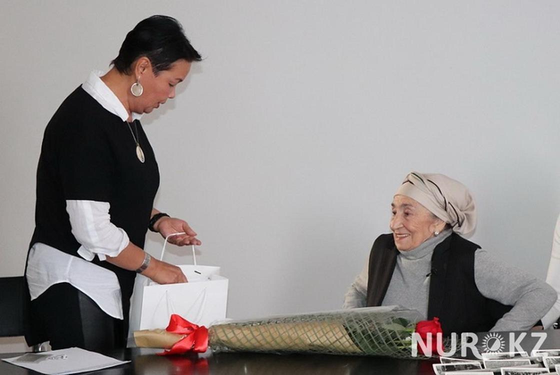 Неизвестные ранее снимки Каныша Сатпаева показали в Алматы (фото)