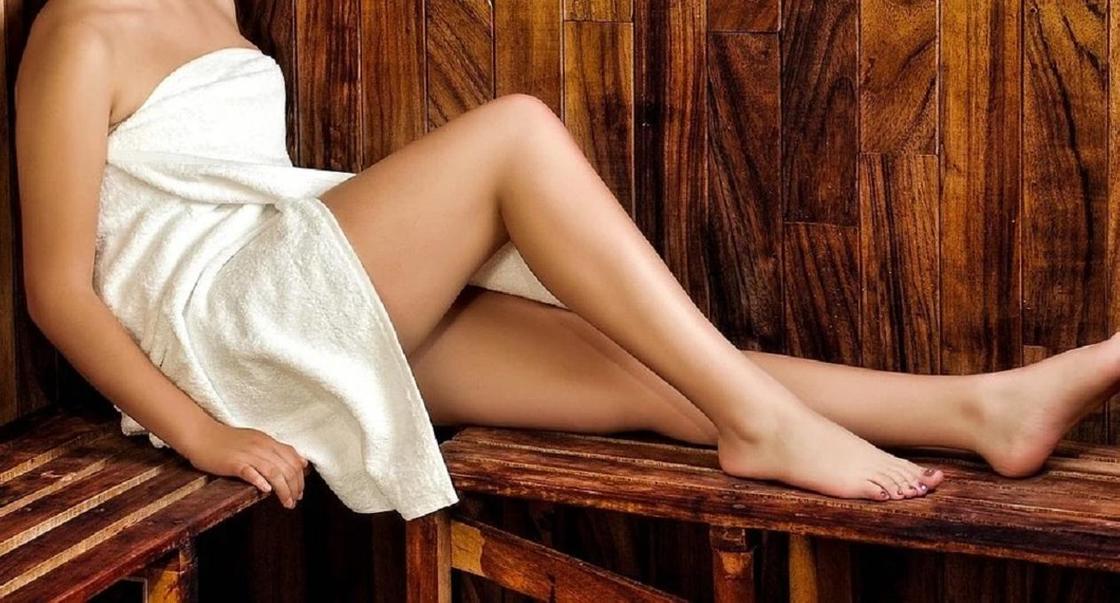 Карагандинка пожаловалась на деверя, подглядывающего за ней в бане