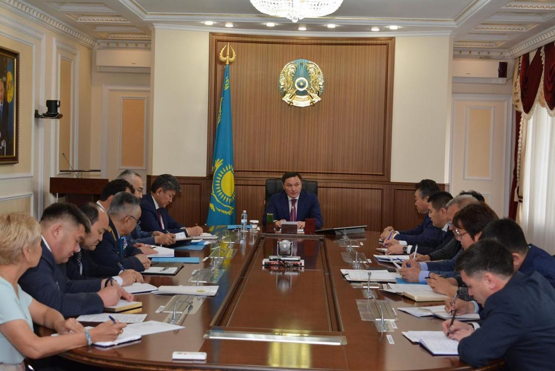 Маржикпаев поручил разработать план по улучшению благосостояния населения