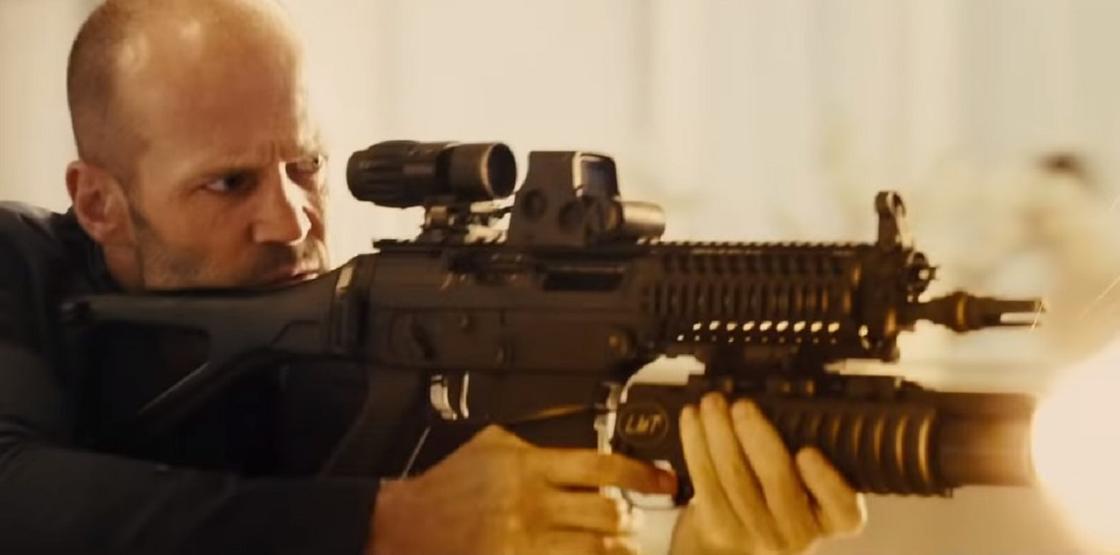 Джейсон Стэтхэм на кадре из фильма «Форсаж 7»