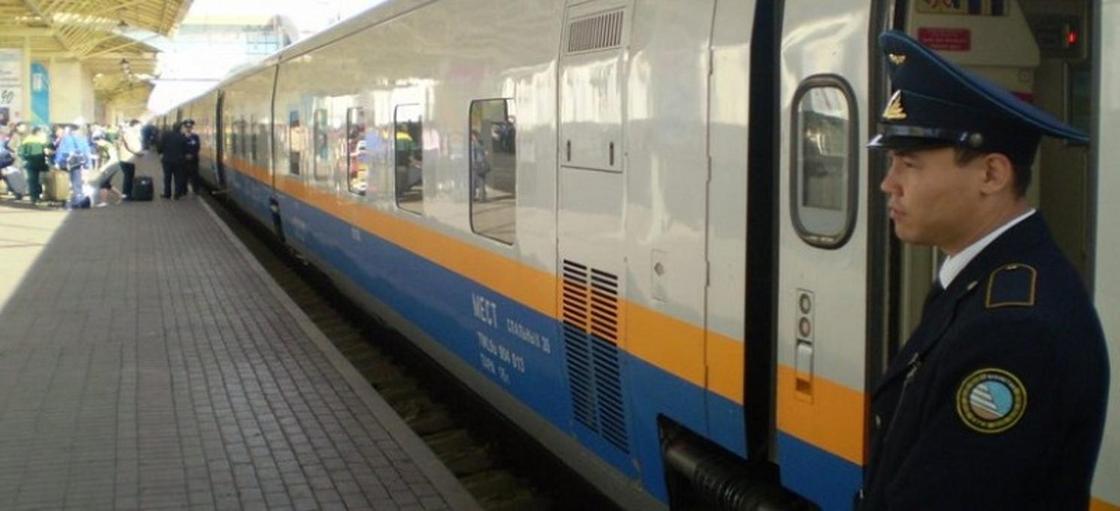 Двоих мужчин сняли с поезда Астана-Челябинск за пьяный дебош