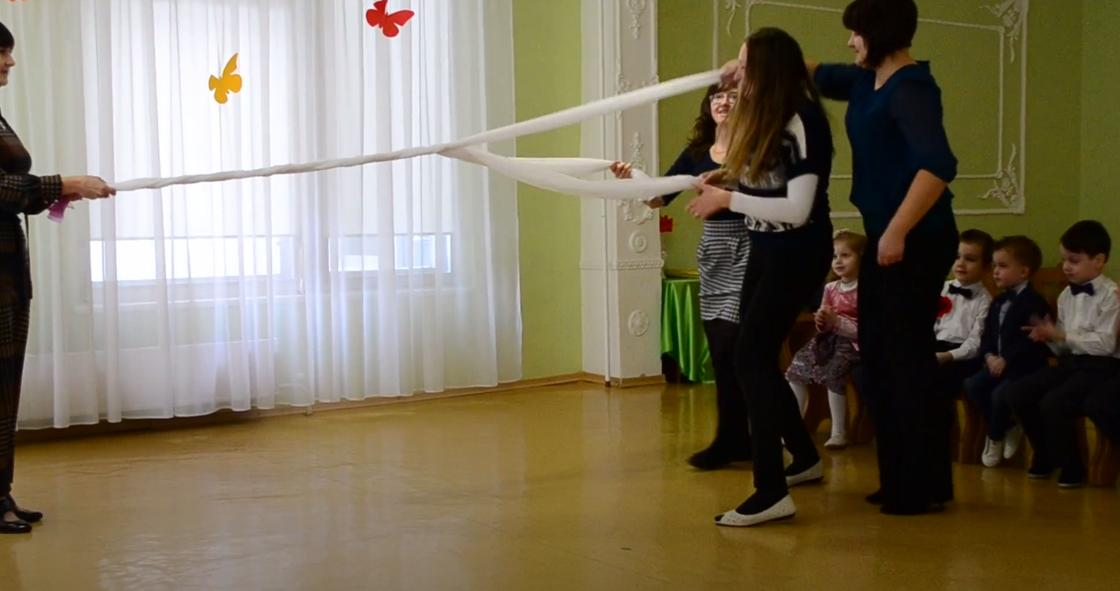 Мамы первоклассников участвуют в конкурсе