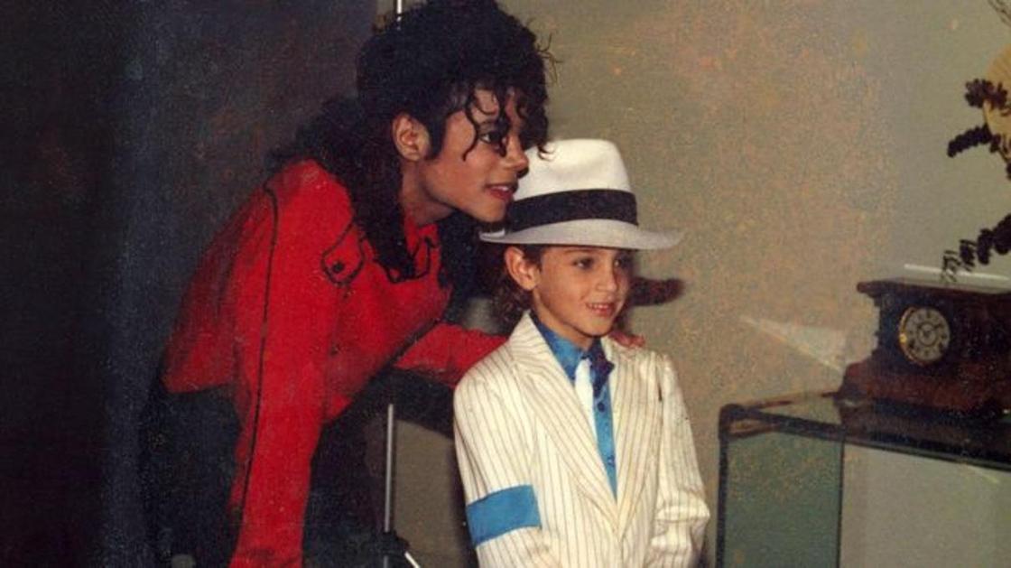 Первый канал снял с эфира скандальный фильм о Майкле Джексоне