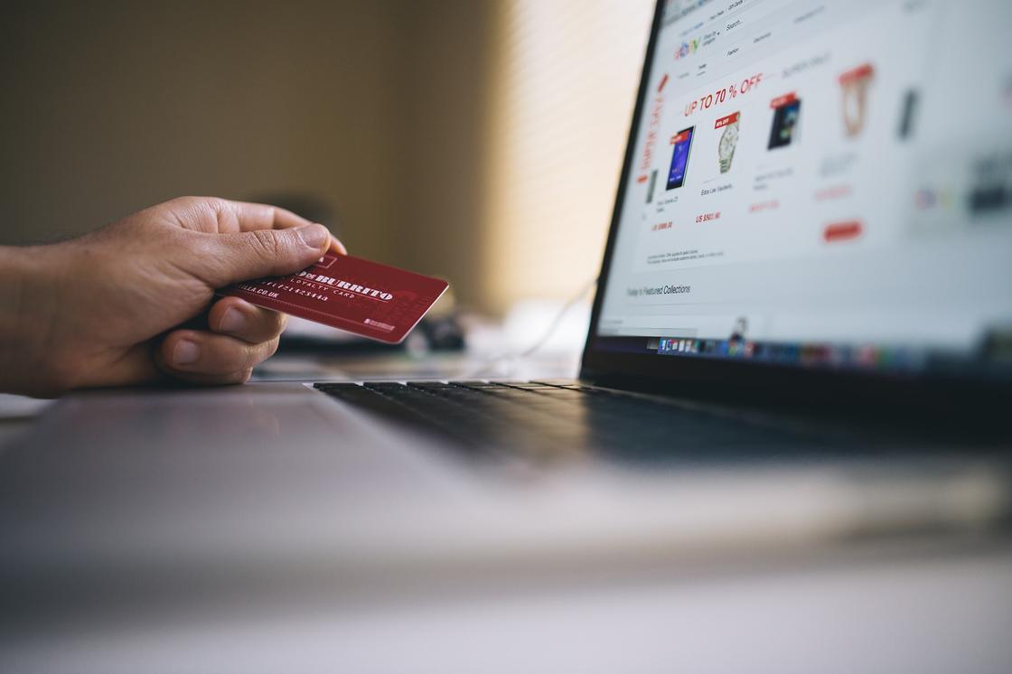 Как обезопасить себя во время покупок в зарубежном интернет-магазине