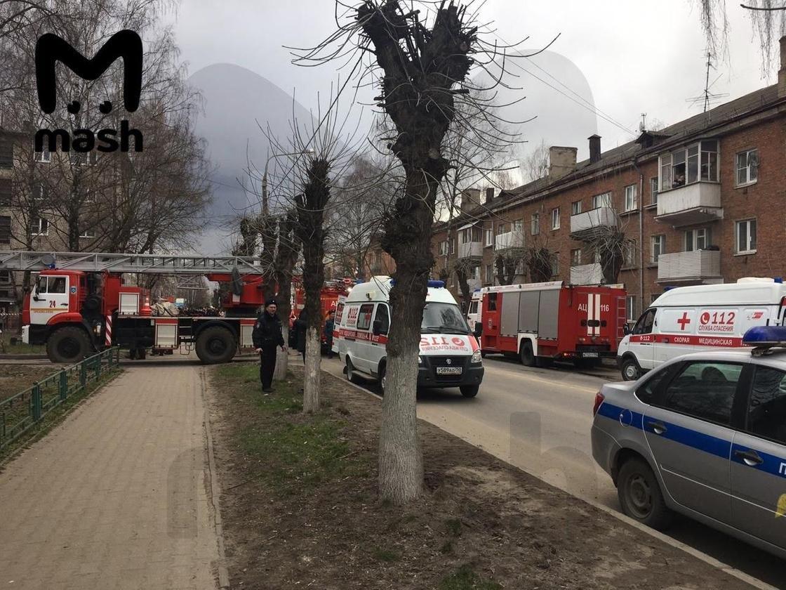 Подъезд дома рухнул из-за взрыва газа в Подмосковье (фото, видео)