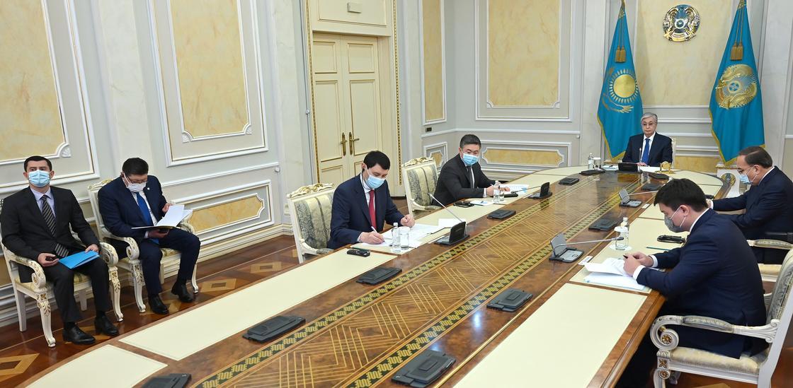 Касым-Жомарт Токаев во время встречи с Масацугой Асакавой