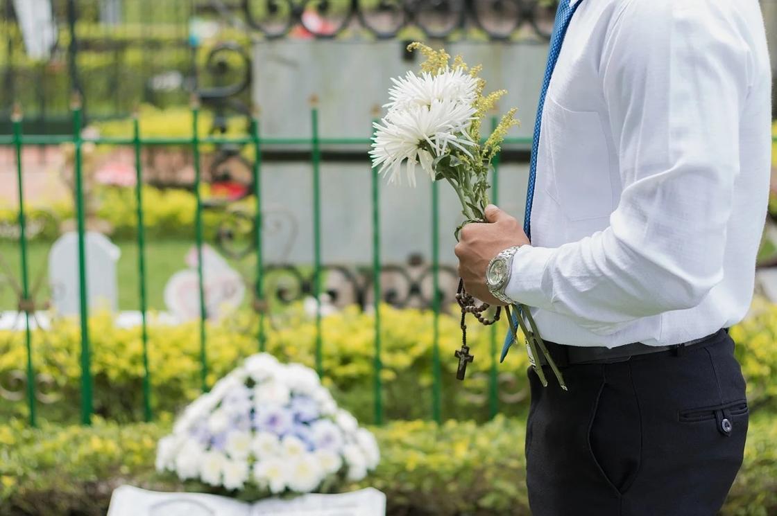 """""""500 тыс. тенге за похороны"""": предельные цены установили в Карагандинской области"""