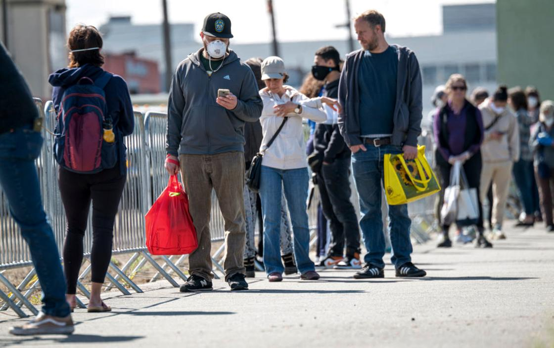 США побили антирекорд по числу погибших от коронавируса за сутки