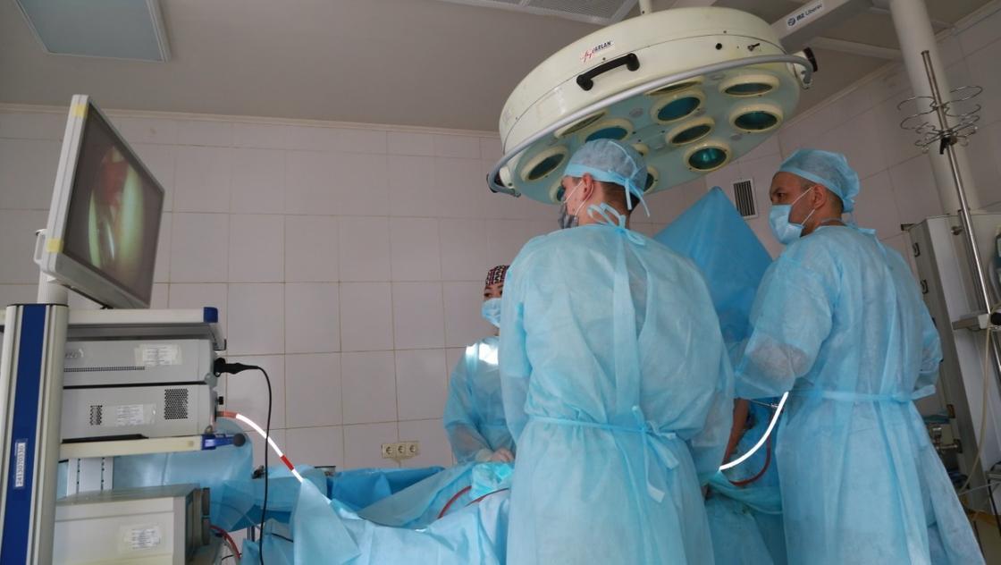 Медики Карагандинской области получили премии за борьбу с коронавирусом