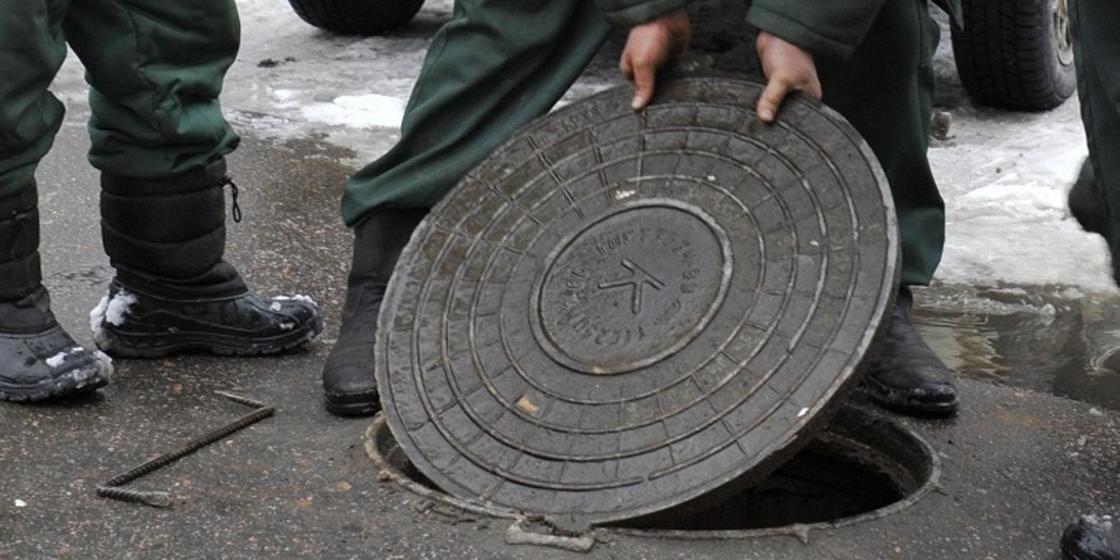 Семью, промышлявшую кражами люков, задержали в Алматинской области