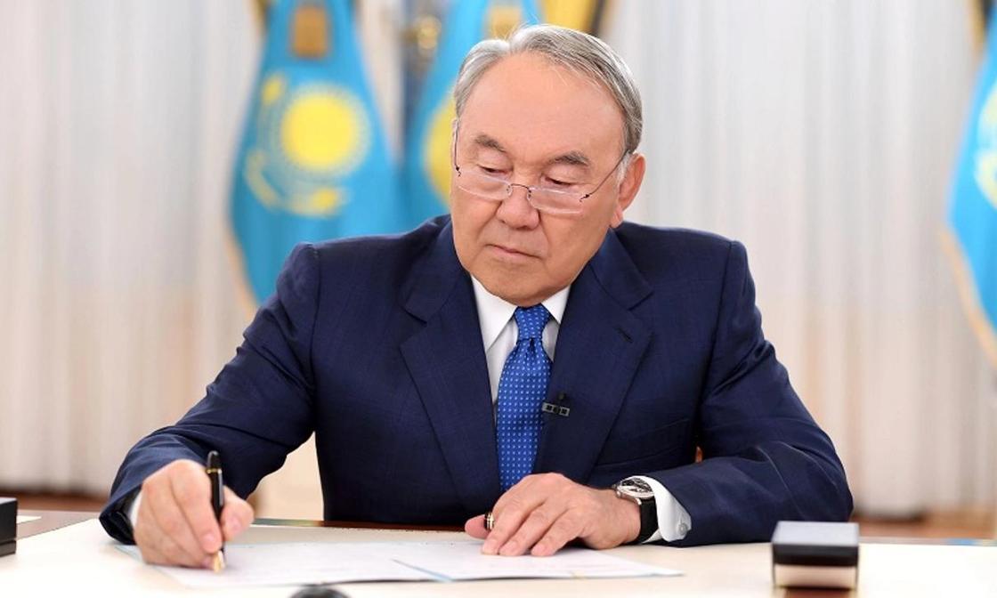 Нурсултан Назарбаев подписал законы о борьбе с незаконным захватом воздушных судов