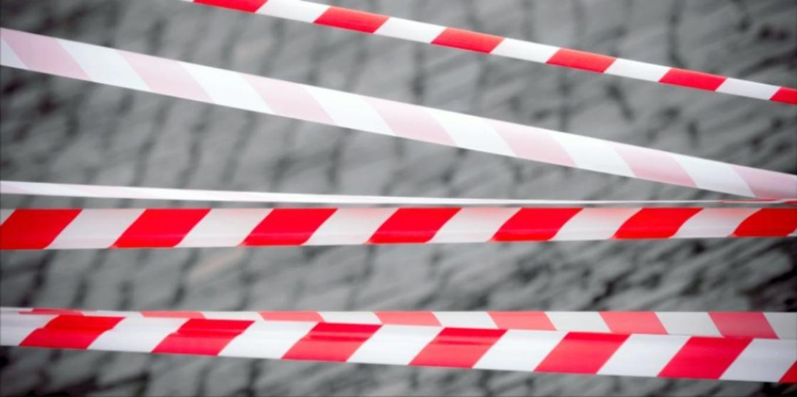 33-летнего мужчину с ножевыми ранениями нашли мертвым в Караганде