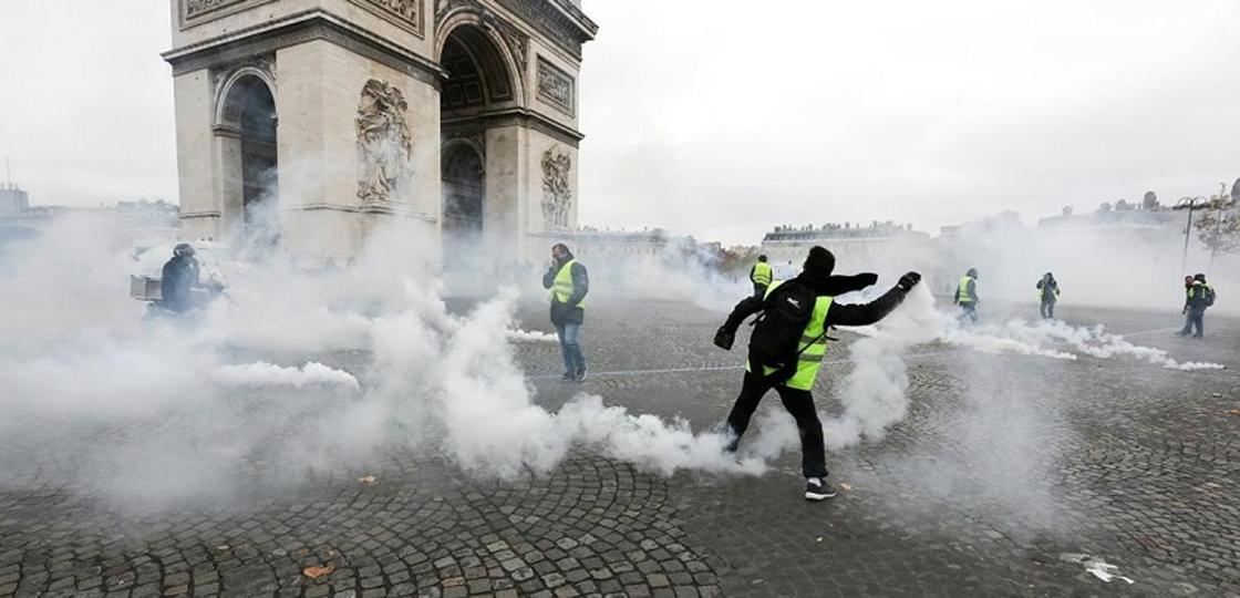 «Парижане стараются не выходить на улицу»: казахстанка рассказала о ситуации в столице Франции