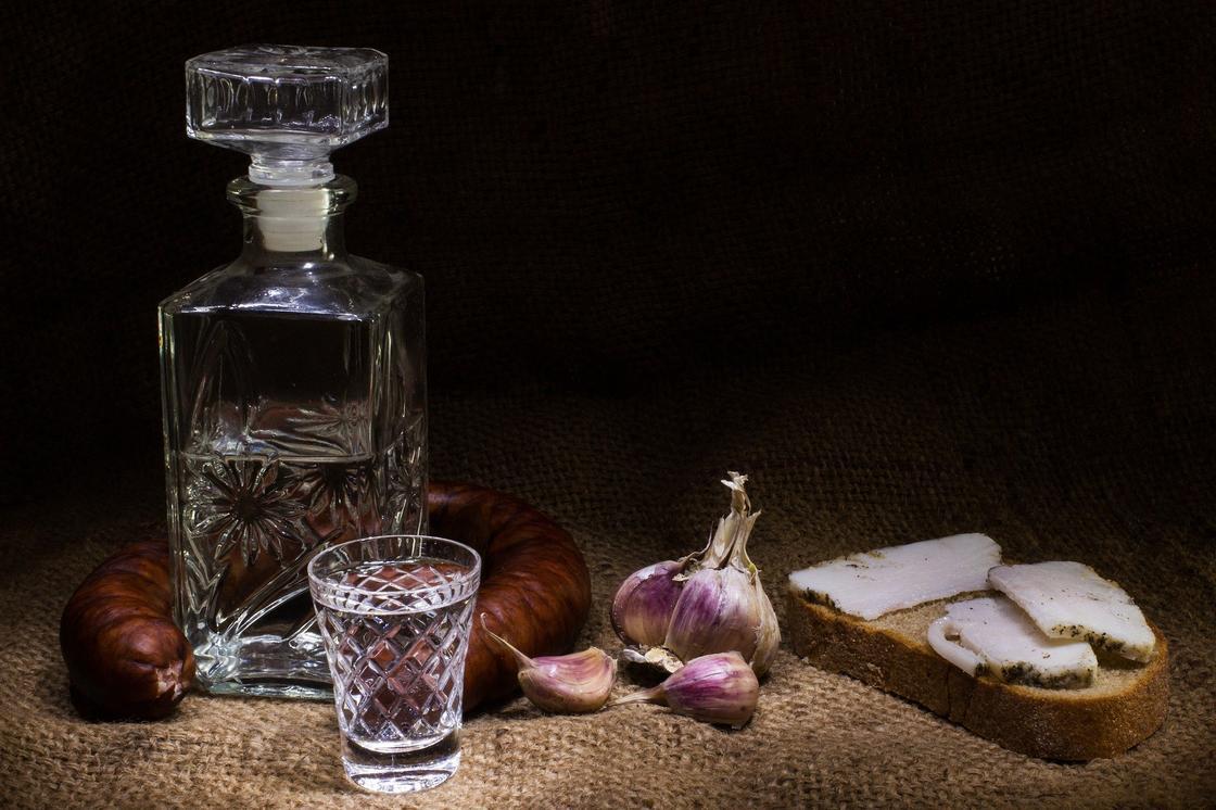 О самом бесполезном методе лечения алкогольного отравления рассказали врачи