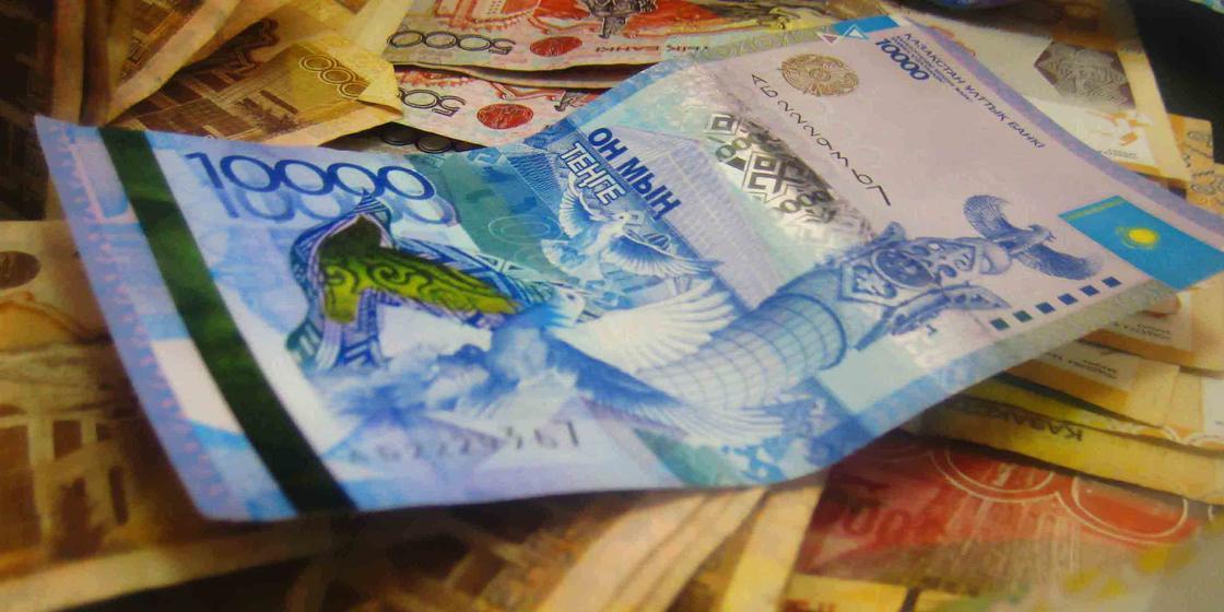 Мужчина просил деньги у людей за устройство на работу и обманывал их в Актобе