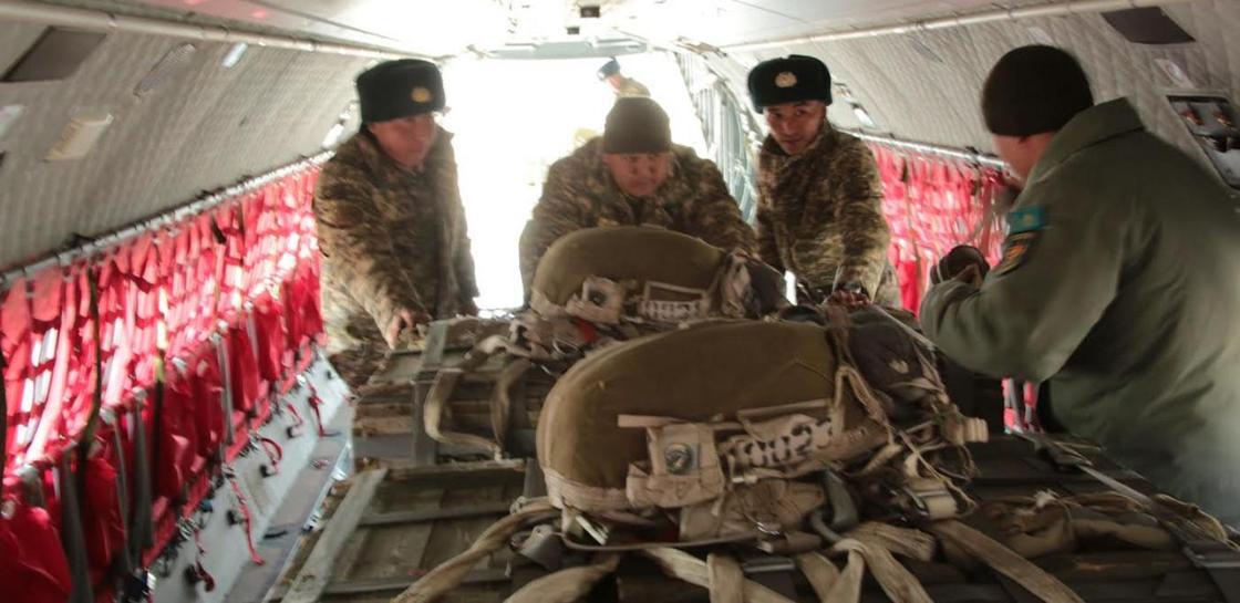 Десантирование грузов выполнили в десантно-штурмовых войсках