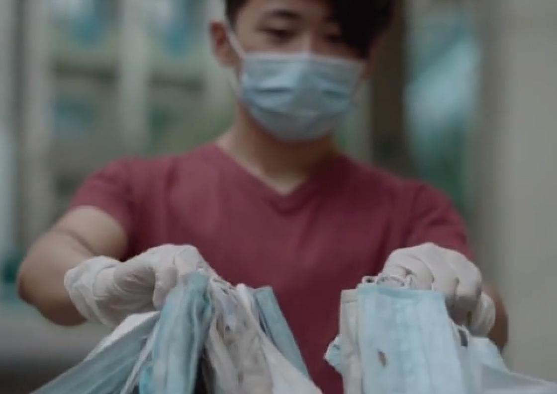 Алматинец обратился к людям из-за использованных масок (видео)