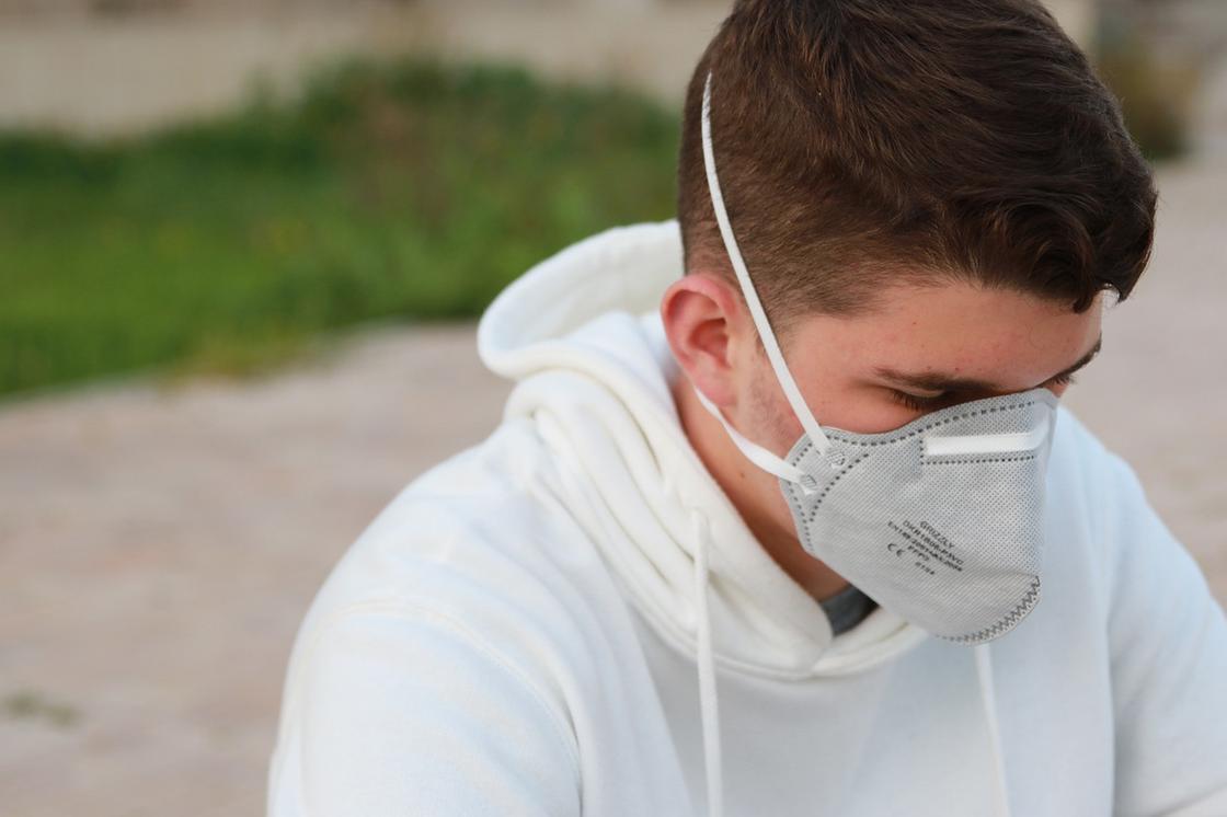 Пандемия КВИ находится на начальном этапе, заявил главный инфекционист США