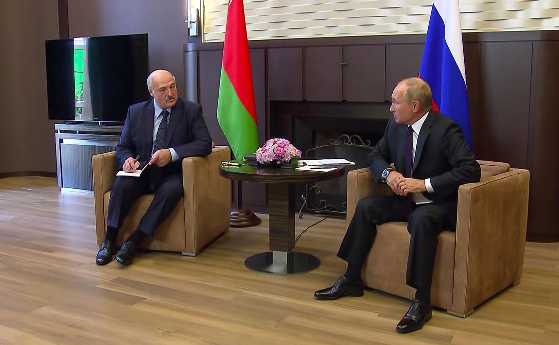 Александр Лукашенко и Владимир Путин на встрече