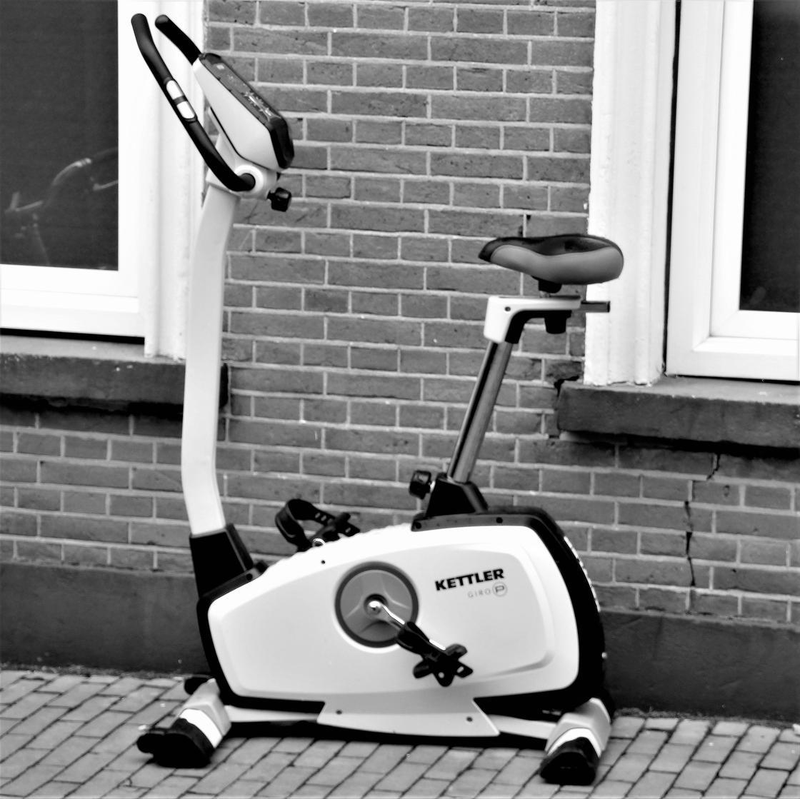 Велотренажер: польза для фигуры
