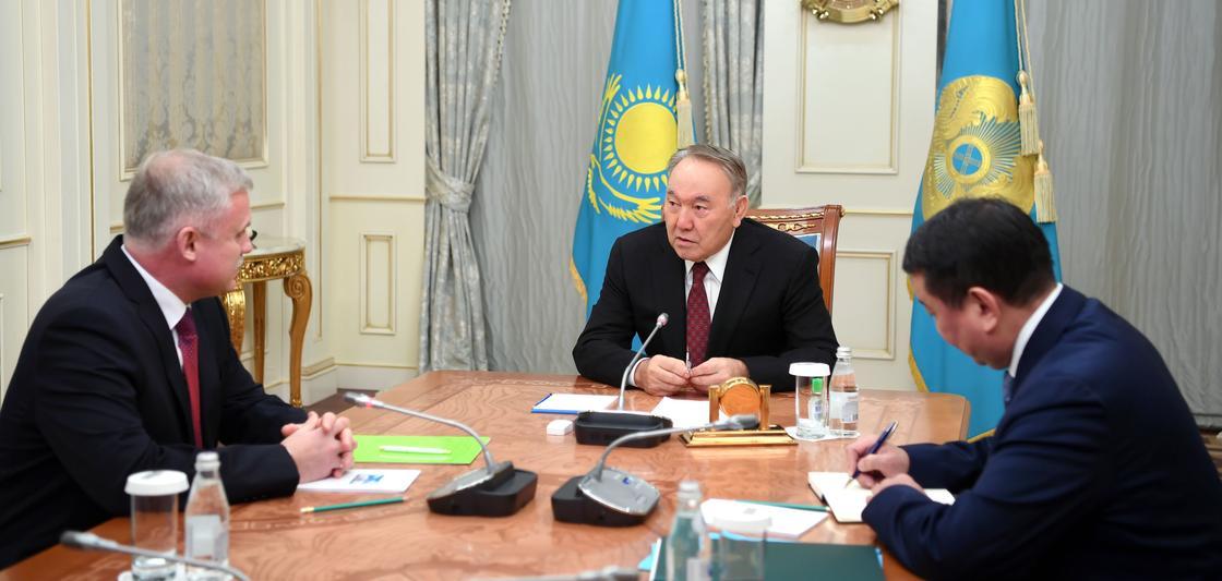Назарбаев встретился с госсекретарем Совета безопасности Беларуси