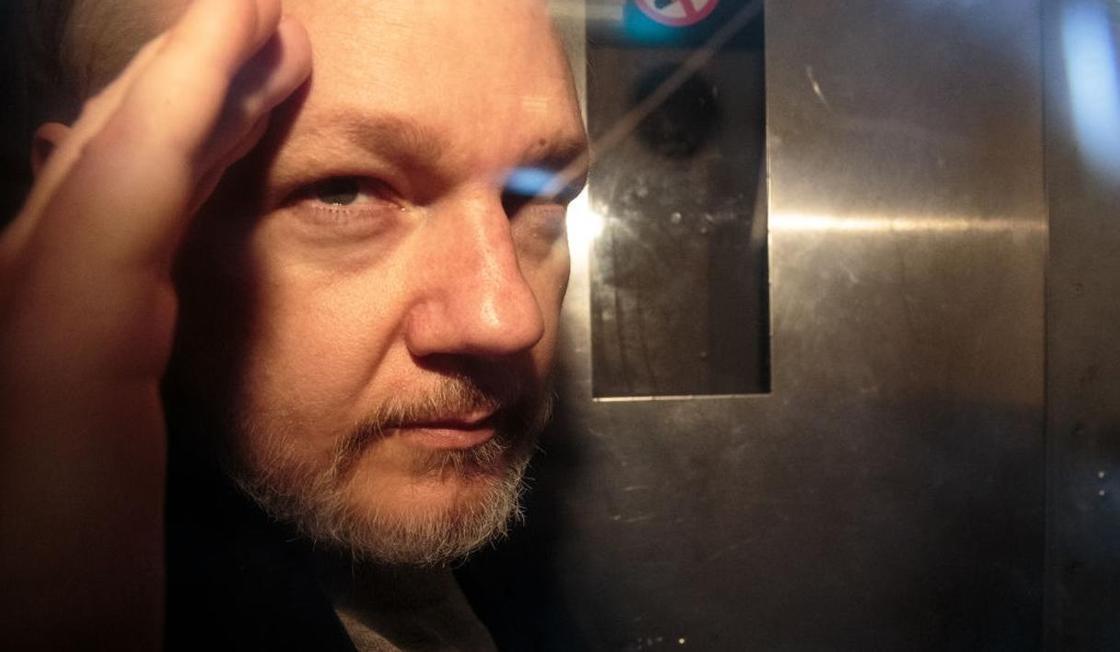 Предполагаемое участие Ассанжа в шпионаже начали расследовать в Эквадоре