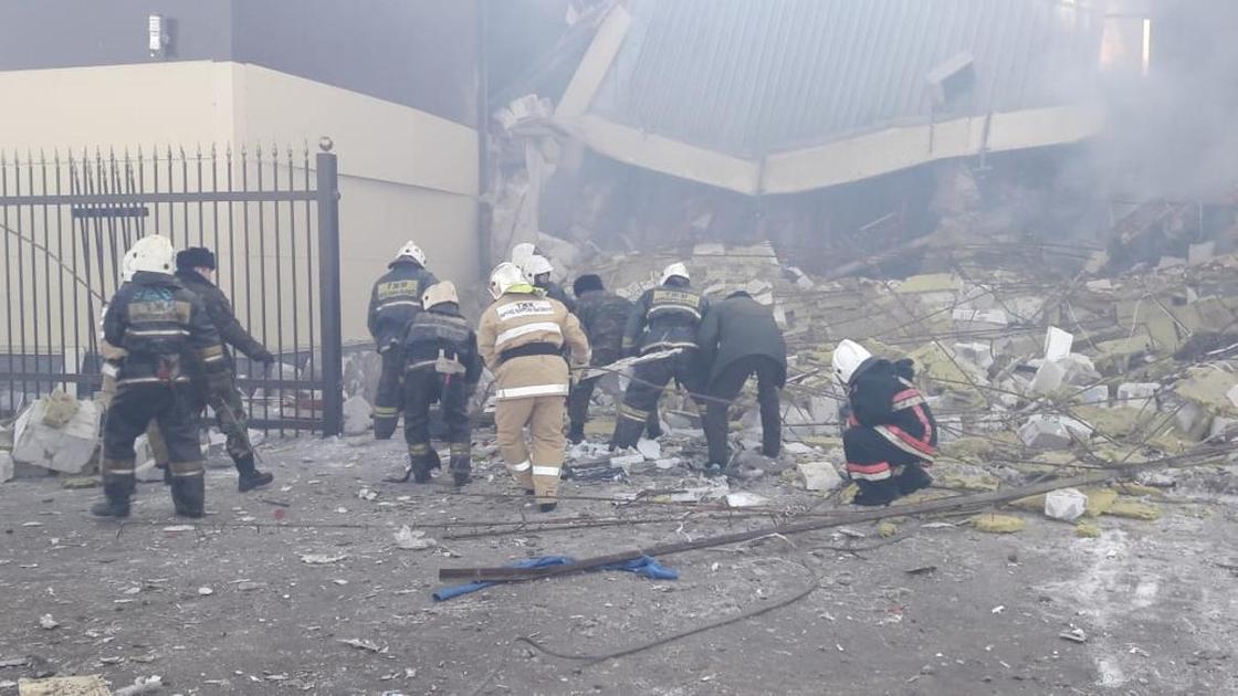 Взрыв произошел в двухэтажном здании в Астане (фото)
