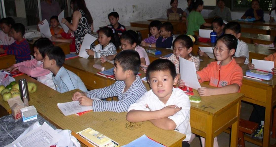 Учитель и психолог заставили целый класс семилеток писать слово «ж*п*»