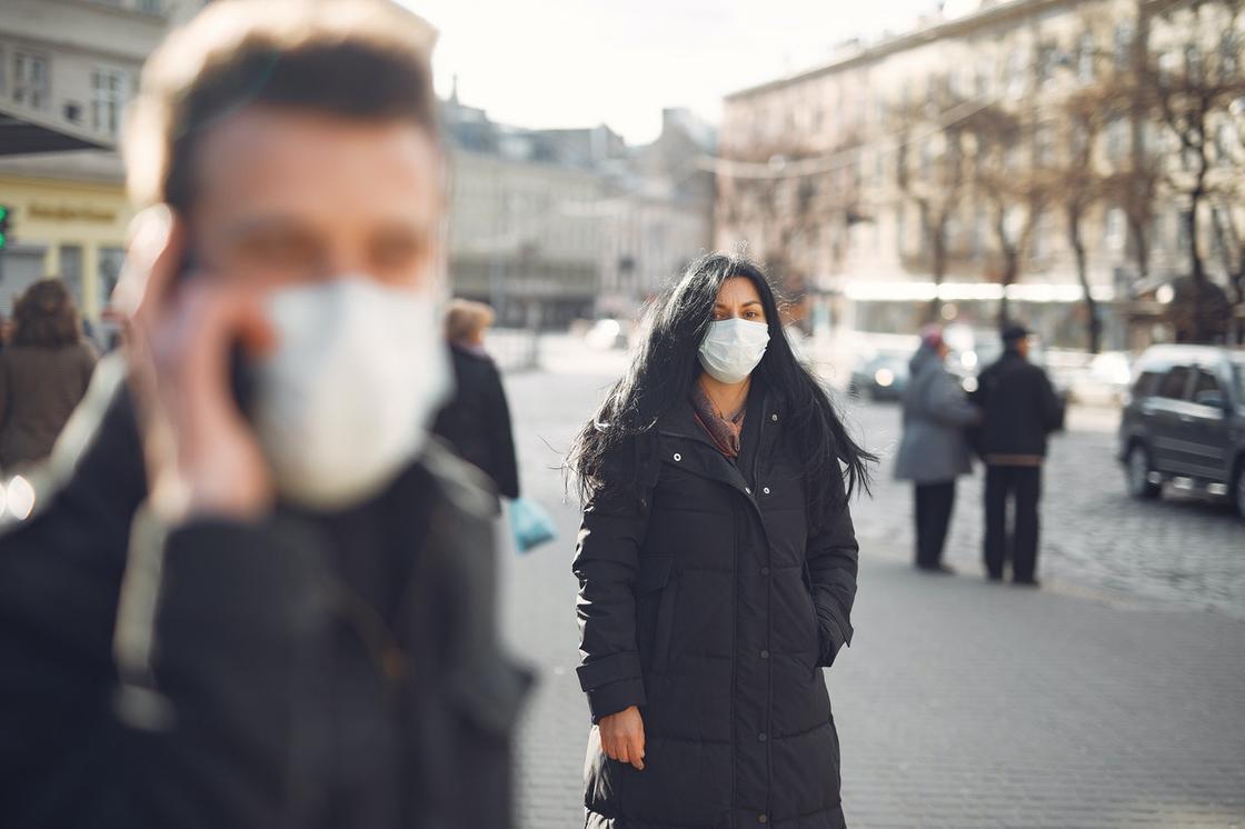 Когда ожидать перелома пандемии, рассказал ведущий эпидемиолог КНР