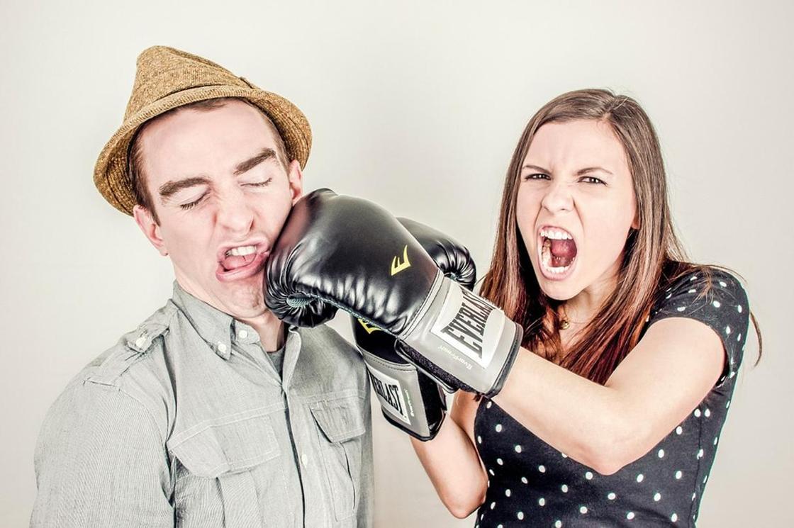 Почему бесполезно спорить с женщинами, рассказали ученые