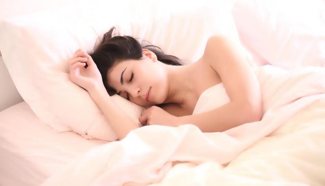 Сколько нужно спать для сохранения красоты, рассказали ученые