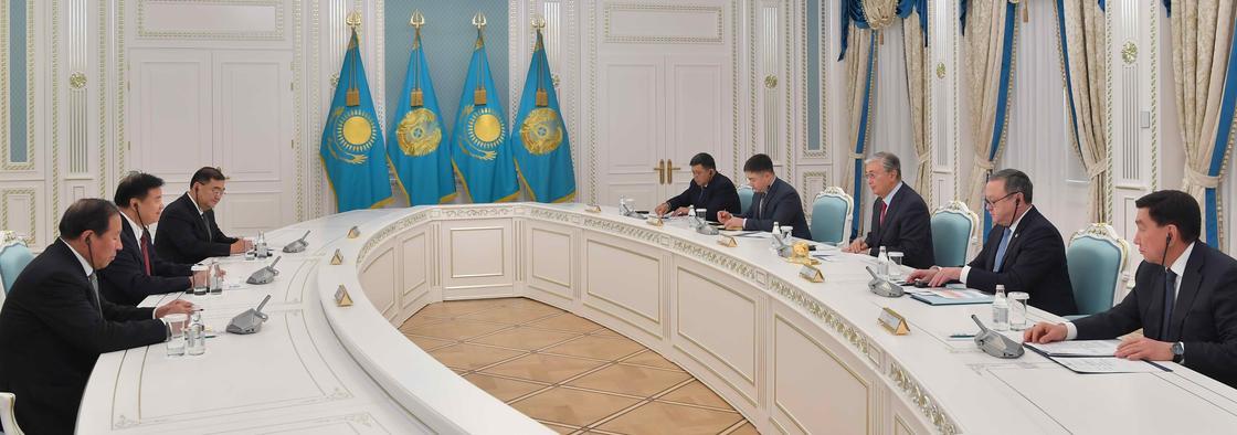Тоқаев қытайлық компанияға қазақстандық жұмысшылардың жалақысын көтеруді тапсырды