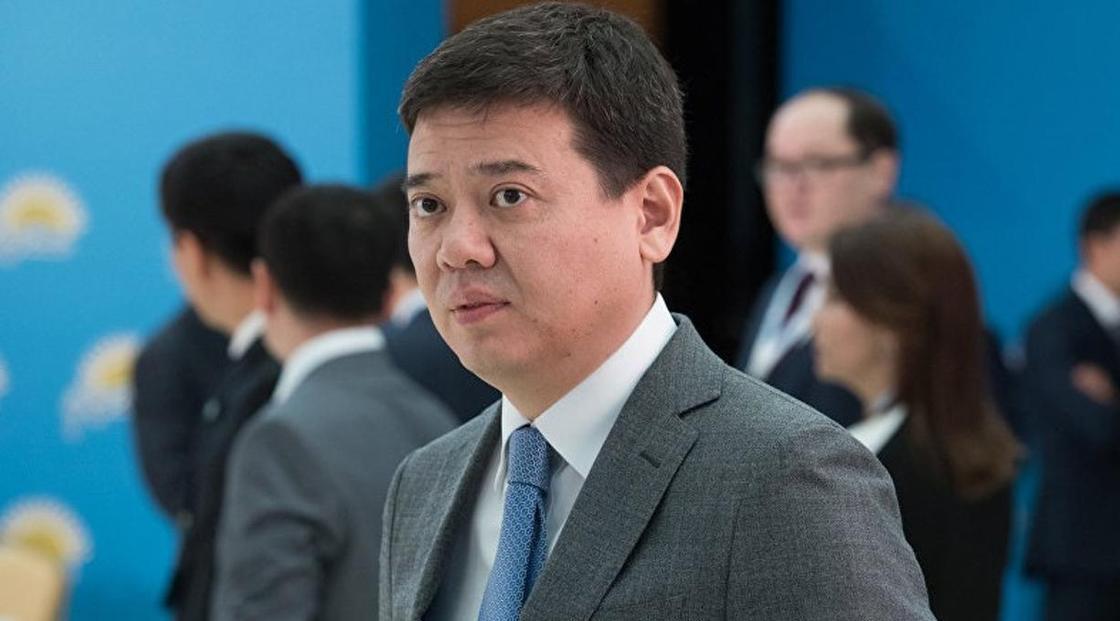 Бекетаев отказался комментировать отставку Шамшидиновой