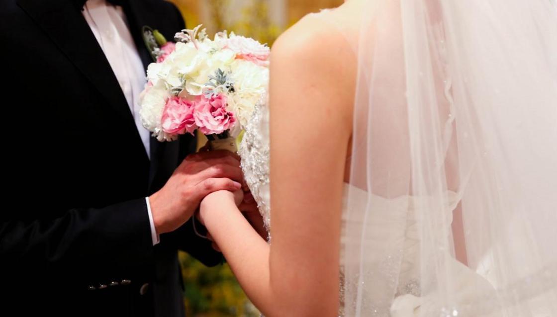 Власти Узбекистана запретили пышные свадьбы