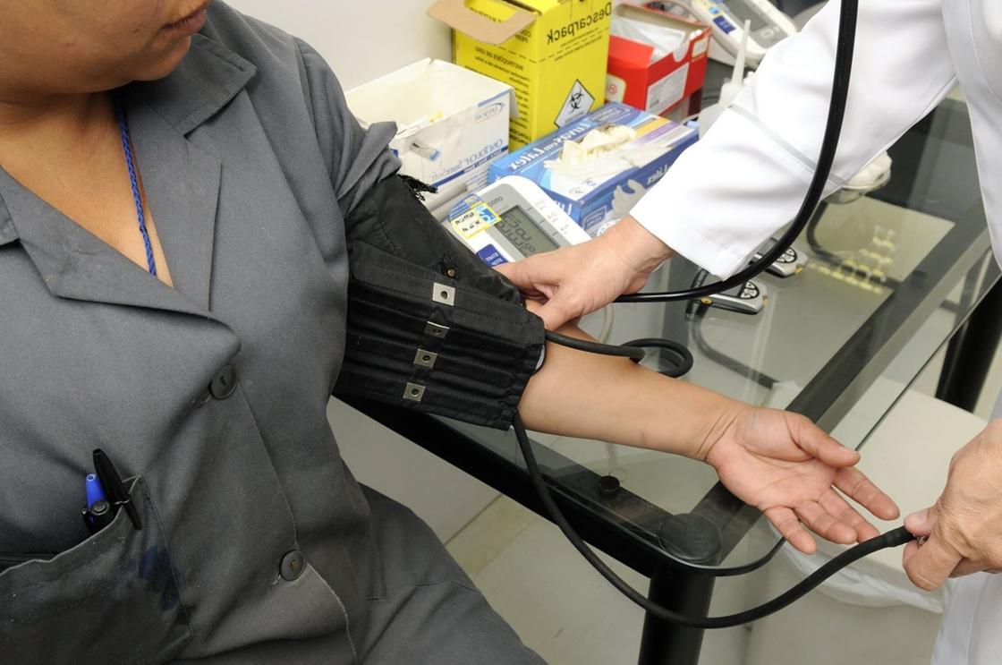 Бесплатное лечение иностранцев от коронавируса собираются отменить в Корее