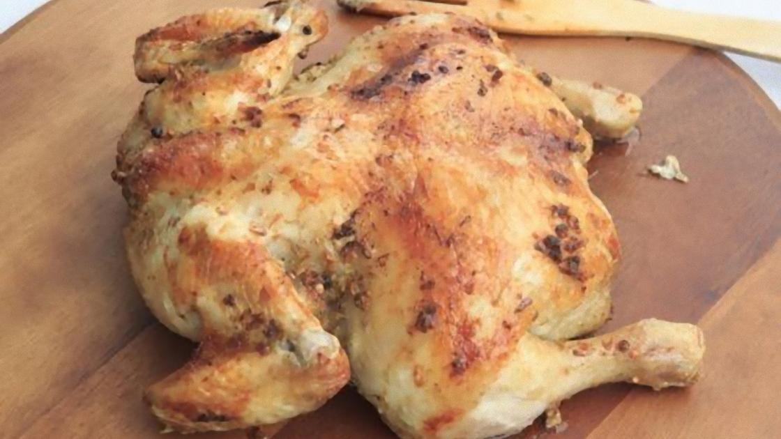 Вареная тушка курицы