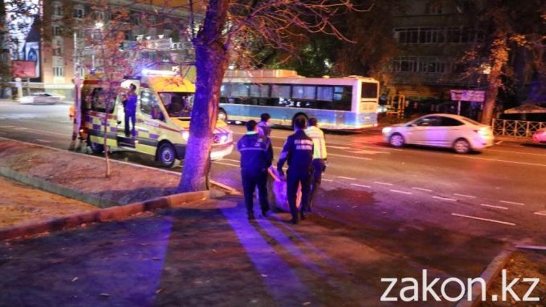 Пьяницы, наркоманы и пробки: с чем сталкиваются врачи скорой помощи в Алматы (фото, видео)