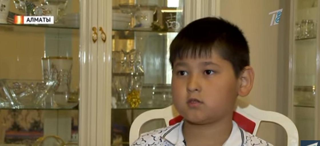 Алматылық оқушы бірнеше жыл жинаған ақшасын арыстықтарға берді